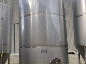 12,700 L  wine tank